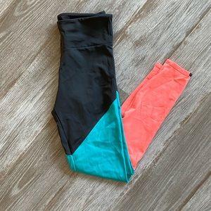 Onzie tri-color yoga leggings